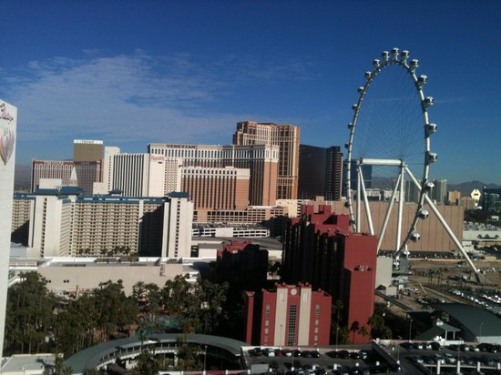 Bally's Las Vegas Hotel & Casino: view from the window day