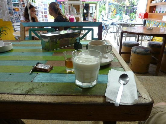 About Cafe' Koh Samui : Homemade Yoghurt With  Honey