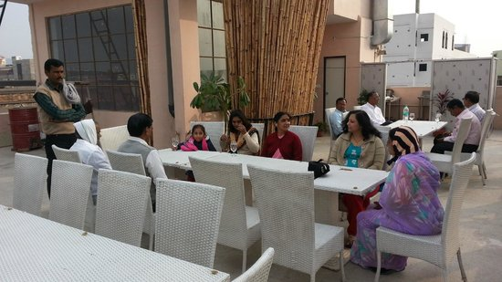 Hotel Ramsingh Palace: Roof Top Restaurant