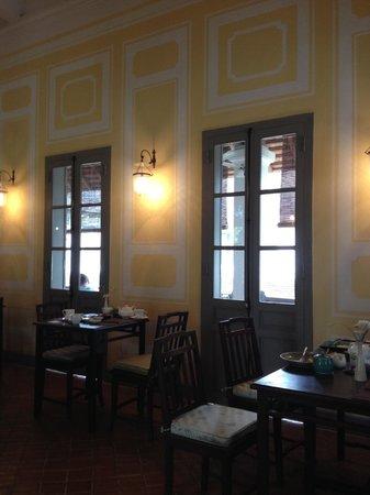 Satri House: breakfast & dinning room