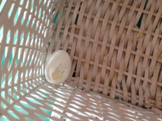 Hali Hotel: 1 broken egg at 9:45  (15 min before breakfast closing)