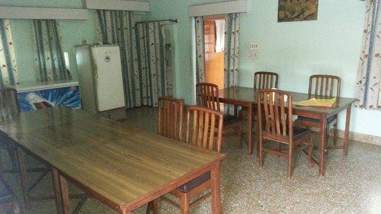Hotel Padmini Niwas: Restaturant
