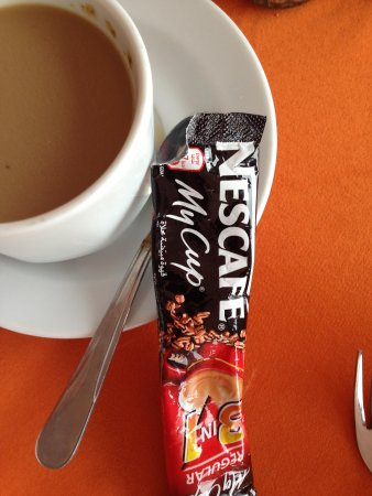 Hali Hotel: Suggestion: bring instant coffee to add to your weak coffee at breakfast