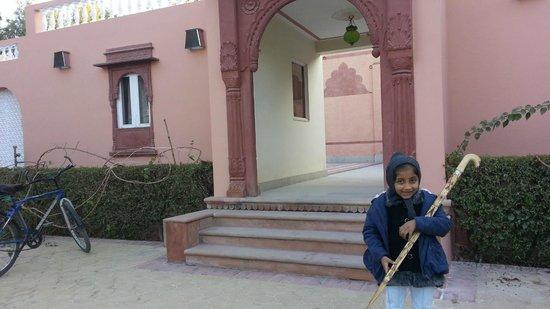 Hotel Padmini Niwas: Front