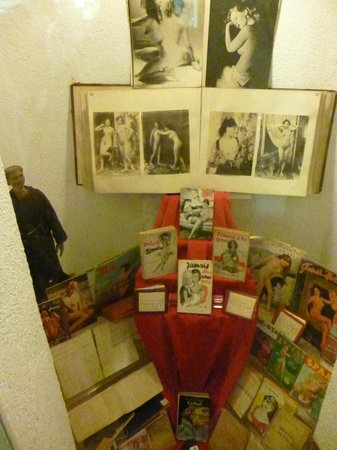 Museo Criminologico: Display of erotic material.