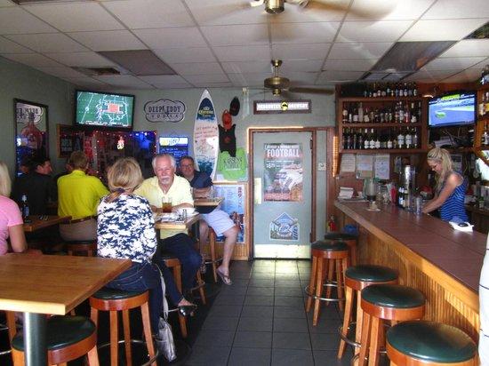 Karsen's Grill: Interior