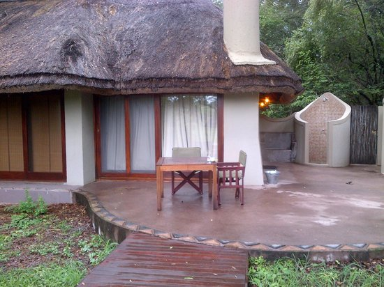 Jock Safari Lodge: extremely comfy chalet