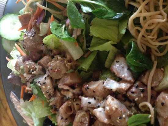 The Seafood Bar & Grill: Green salad with Seared Poke...delish!!!