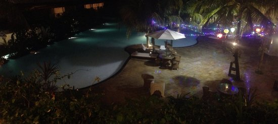 Swiss-Belhotel Segara Resort & Spa : Pool night view
