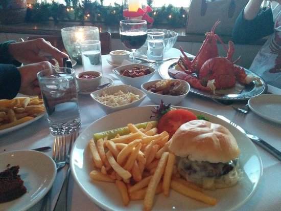 Lobster Pot : Lobster and two burgers