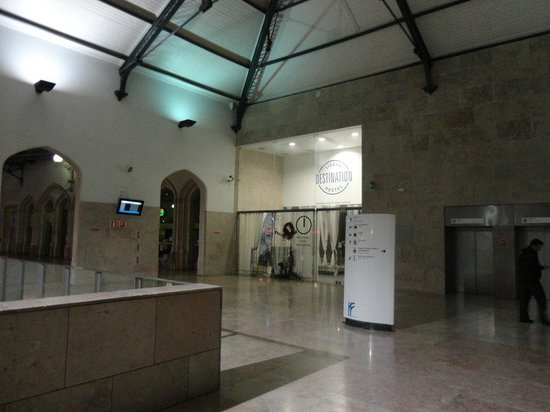 Lisbon Destination Hostel : Entrada del hotel