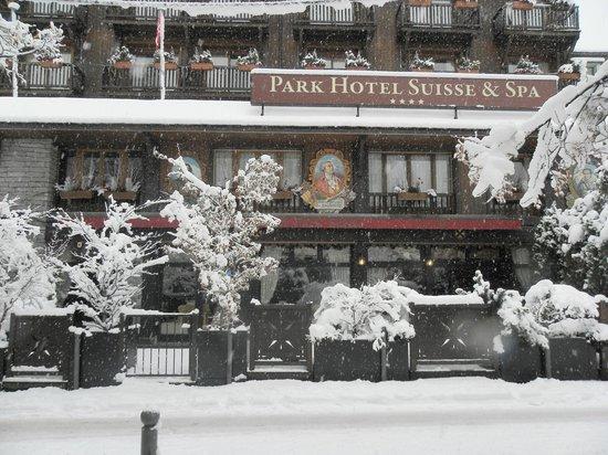 Park Hotel Suisse & Spa: Sous la neige magnifique...