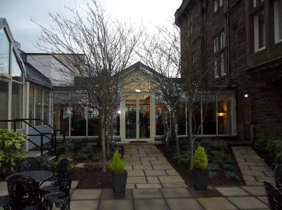 DoubleTree by Hilton Dundee: Rear of hotel