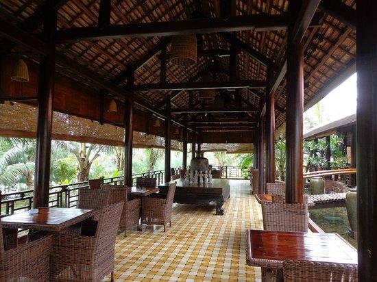 Отель  Blue Shell Resort