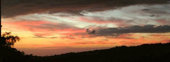 Marjorie's Kauai Inn: Just another Marjorie's sunrise. Never gets old.