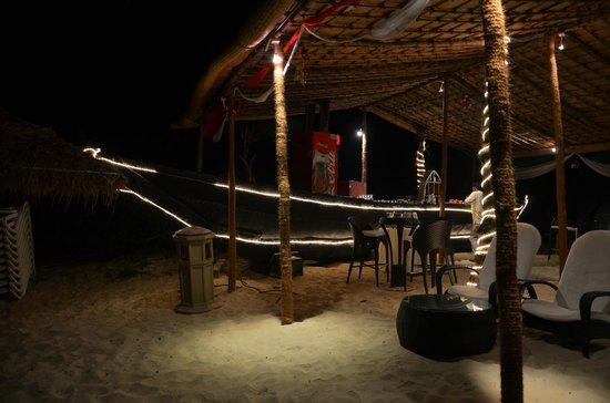 Caravela Beach Resort: Bar at Beach