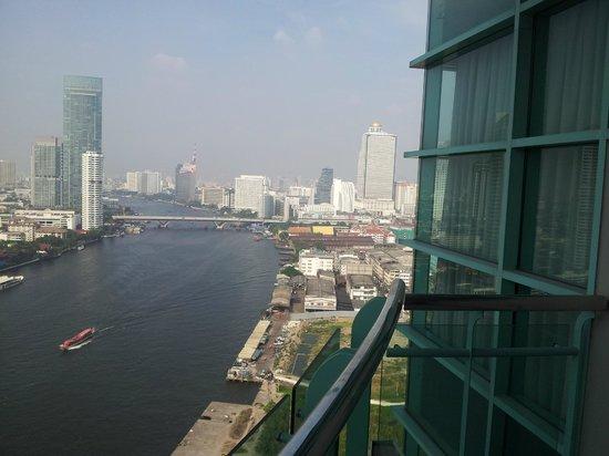 Chatrium Hotel Riverside Bangkok: Ausblick auf River und Lebua
