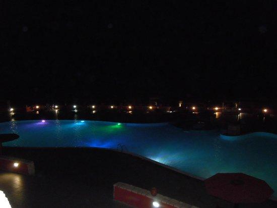 Royal Decameron Boa Vista : piscine by night