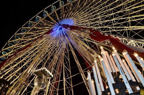 Alcide : la grande roue sur la .....grand place. Lille .décembre 2013