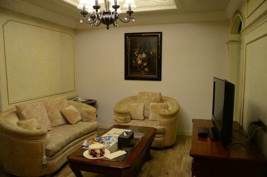 Four Seasons Place: comfortable sofa