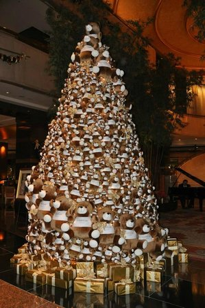 Conrad Centennial Singapore : Nice 'Bear Tree'