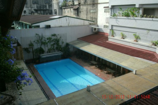 The Oasis Paco Park Hotel : Pool Pic 1