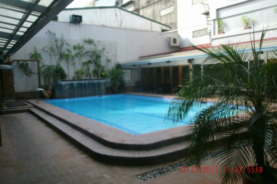 The Oasis Paco Park Hotel : Pool Pic 2