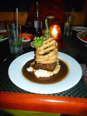 Vagabundos del Mar Trailer Park Restaurant: Steak & Onion Rings, Garlic Mash, Red Wine Reduction