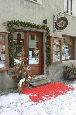 Montagne di Carta: Il negozio a Natale