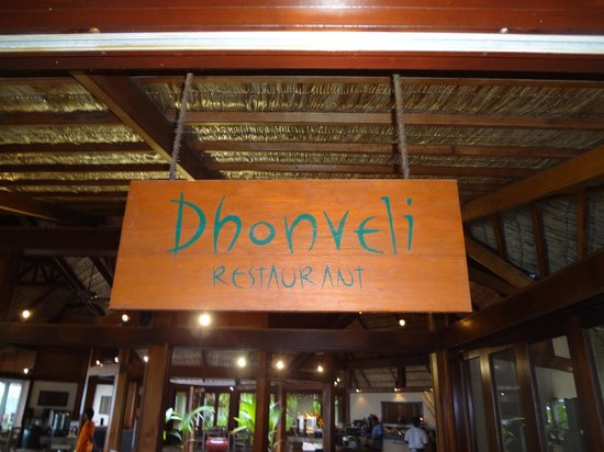 Mirihi Island Resort: The buffet restaurant - Better then the over water restaurant