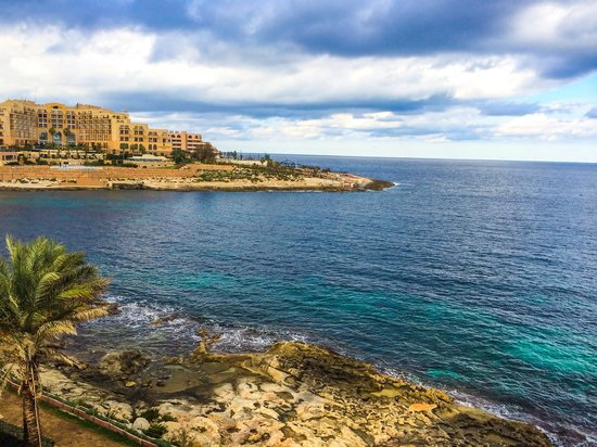 The Westin Dragonara Resort, Malta: View on the other side of the balcony