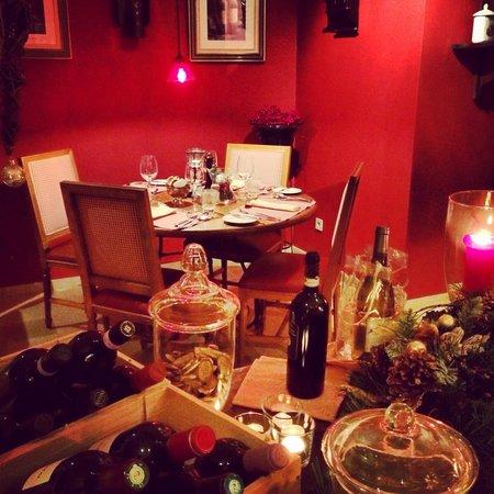 Hotel Cosy : Het restaurant is stijlvol en zeer gezellig!! Een aanrader!