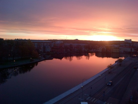 Comfort Hotel Eskilstuna: Sun-rise, view from room