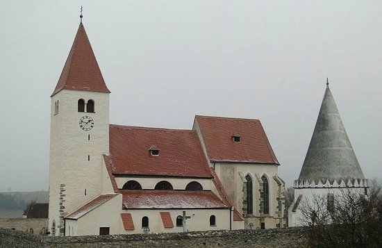 Faulenzerhotel Schweighofer: Kirche in Friedersbach (850 Jahre alt)