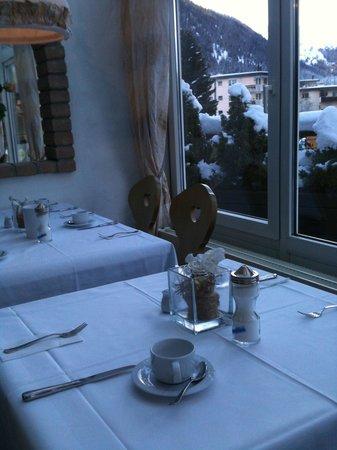 Turmhotel Victoria Davos: Sala colazione
