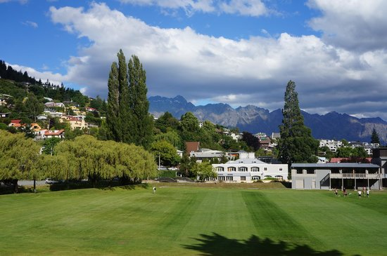 Queenstown Park Boutique Hotel: View from the hotel