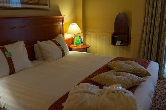 Holiday Inn Rimini Imperiale : ベッドルーム