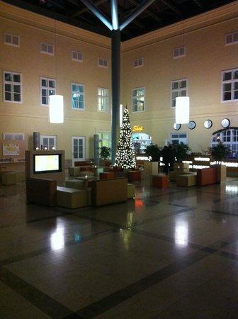 JUFA Hotel Wien City: Hall