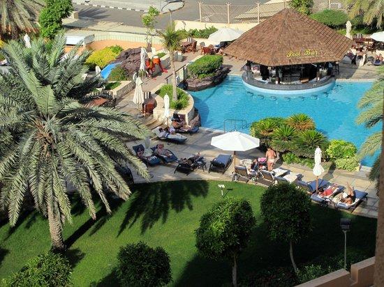 Sheraton Abu Dhabi Hotel & Resort: view from balcony