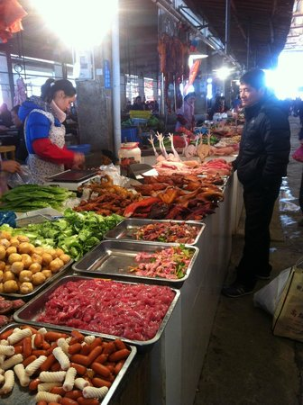 Yangshuo Private Tour-Day Tour: Fuli Markets