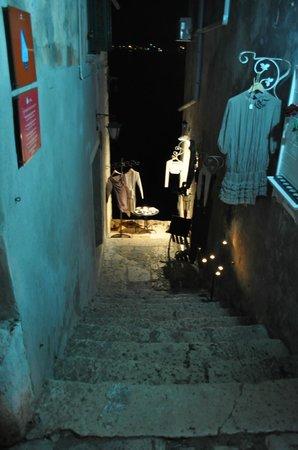 Amarin Studio and Apartments: night in Rovinj