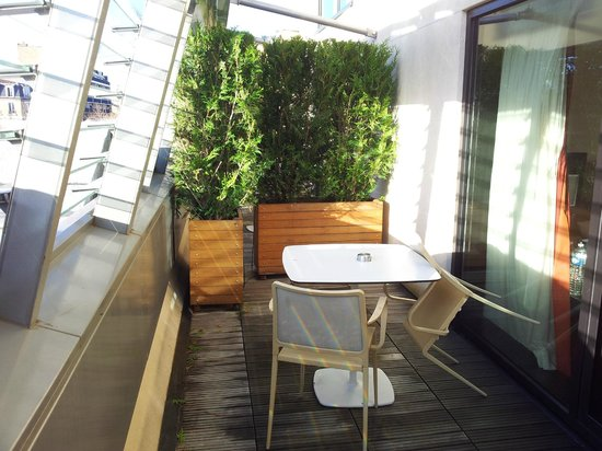 Courtyard by Marriott Paris Boulogne: Sundeck view of Room 403