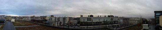 Courtyard by Marriott Paris Boulogne: View from the terrace with Eiffel in the