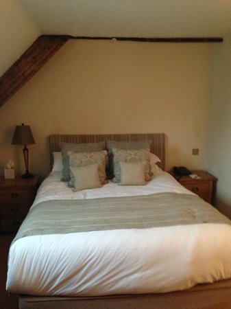 Three Salmons Hotel: The very comfy (Soft) bed