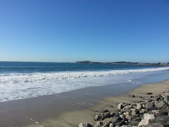 Half Moon Bay State Beach: Beautiful beach on a beautiful day!