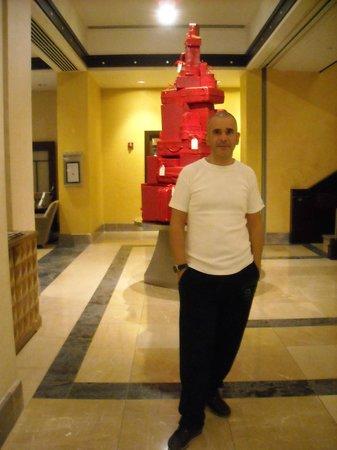 Sofitel Philadelphia Hotel: Lobby (Christmas Tree)