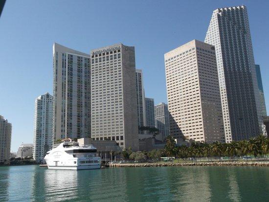 InterContinental Miami: hotel exterior