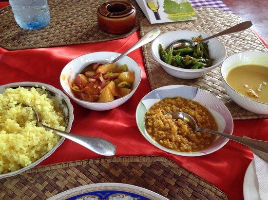 Lucullus Garden Restaurant: The very delicious shrimp curry