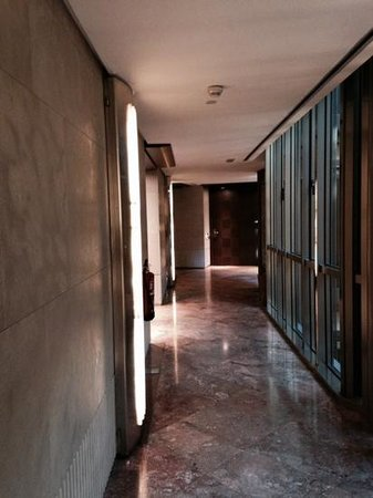 Hotel Urban: couloir extérieur