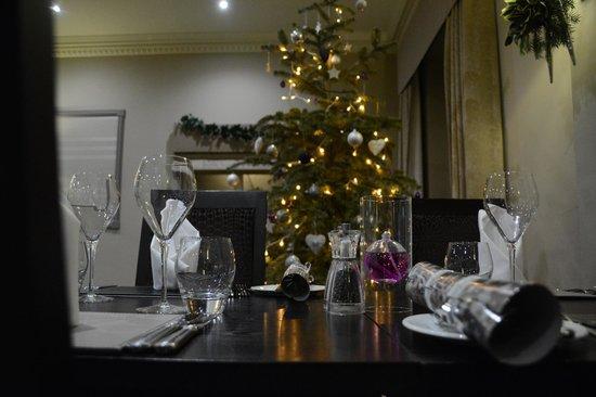 The Pheasant Hotel : Elegant table setting for Christmas
